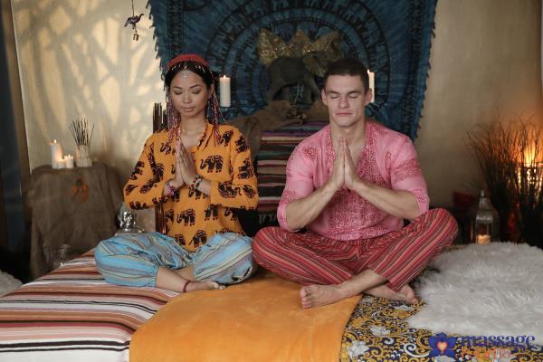 MassageRooms, SexyHub - Jureka Del Mar - Thai masseuse orgasms on hard cock [SD, 480p]