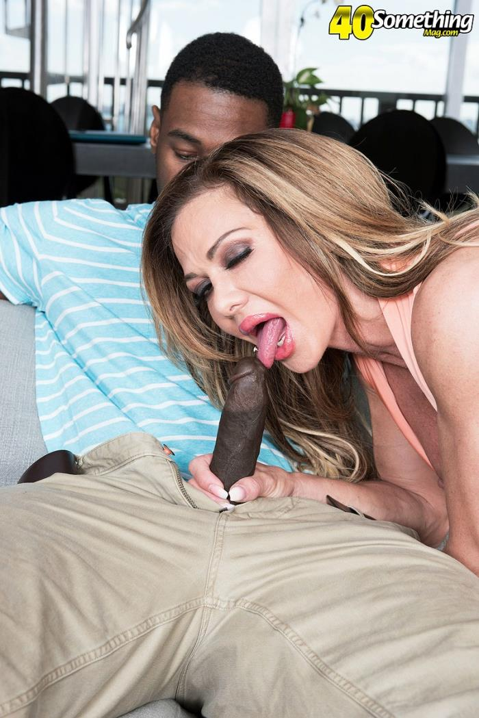 40SomethingMag/PornMegaLoad - Nina Dolci - The sexy realtor and the big, black cock [HD 720p]