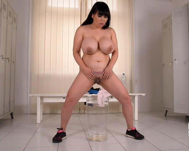 Tigerr Benson - Pee, Baby- A Gyms Dressing Room Makes Her Pussy Wet (DDF) FullHD 1080p