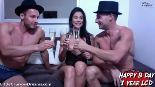 LittleCaprice-Dreams: Webcam Birthday Party (HD/720p/1.45 GB) 07.09.2017