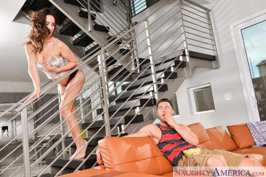 MyFriendsHotGirl, NaughtyAmerica: Ashley Adams (SD/360p/215 MB) 23.09.2017