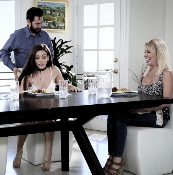 Kimber Woods, Erica Lauren - Stretching for Daddy (PureTaboo)  [FullHD 1080p]