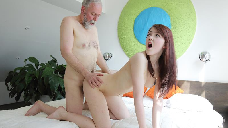 OldGoesYoung.com: Geny - Unexpected sex visitor joins masturbating brunette through a window [SD] (406 MB)