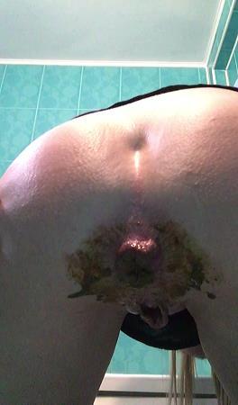 Huge shit in my friends toilet [HD, 720p] [Scat]
