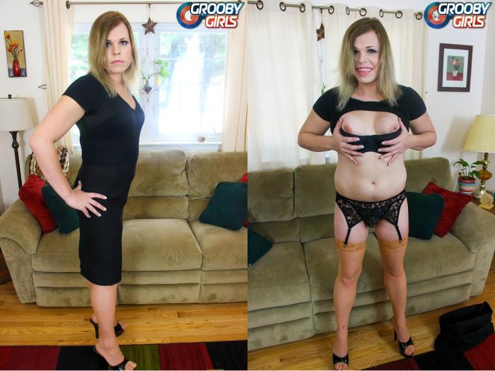 Cassie Calamity / Sexy Blonde Cassie Calamity! (GroobyGirls) HD 720p