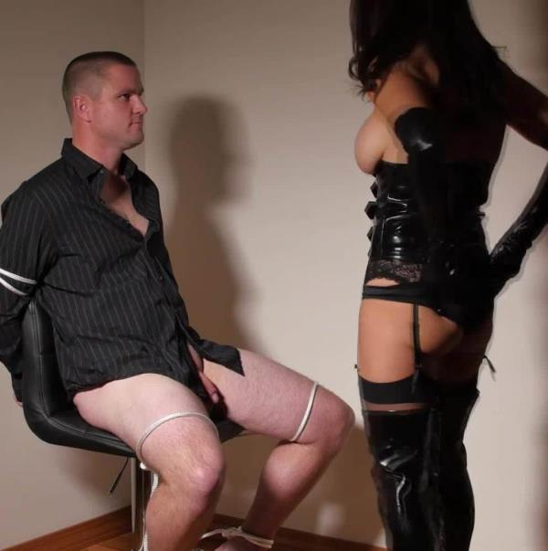 Mandy Flores - Home Invasion - Female Domination (MandyFlores.com/Clips4sale.com)  [FullHD 1080p]