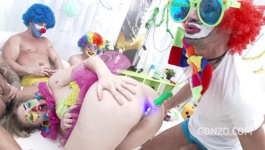 LegalPorno: Ella Nova 10on1 Clown GangBang!?!? SZ1620 (SD/480p/862 MB) 26.09.2017