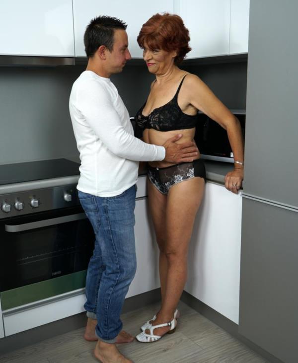 Donatella - Lusty Touch (LustyGrandmas.com/21Sextreme.com)  [FullHD 1080p]