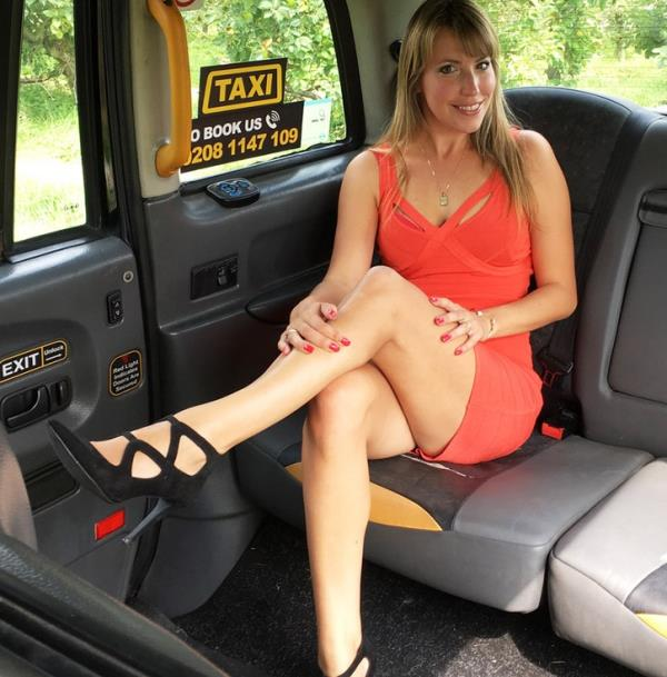 FakeTaxi:  Daphne  - Lady in short dress gets creampie (2017) FullHD  1080p