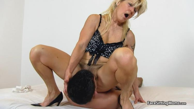 Old lady cougar Hana hirsute pussy facesitting [Facesittingmoms / HD]