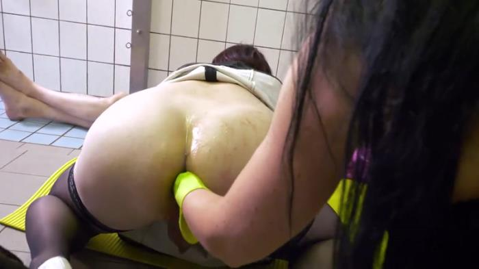 Scat - Two dominas and a toiletslave part 2 [FullHD, 1080p]