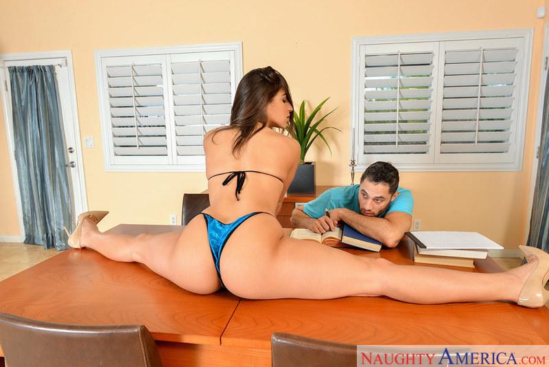 (Natural Tits / MP4) Abella Danger MySistersHotFriend.com / NaughtyAmerica.com - SD 360p