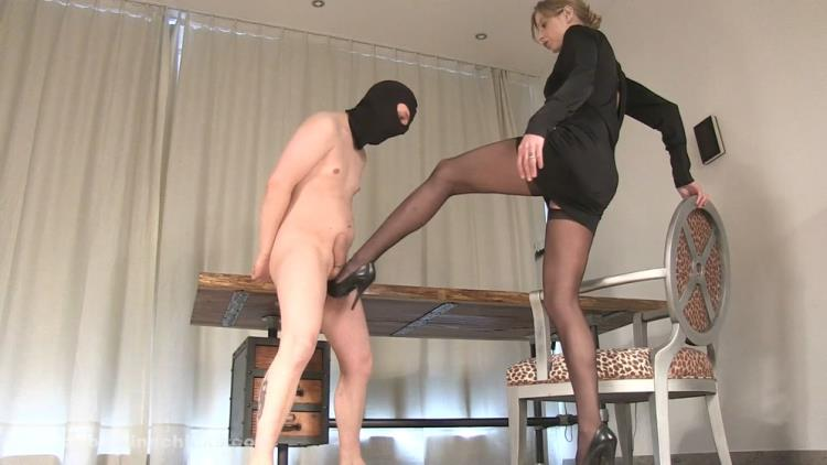 Domina Hera / Long legs kicking harder [Clips4Sale, BallBustingChicks / FullHD]