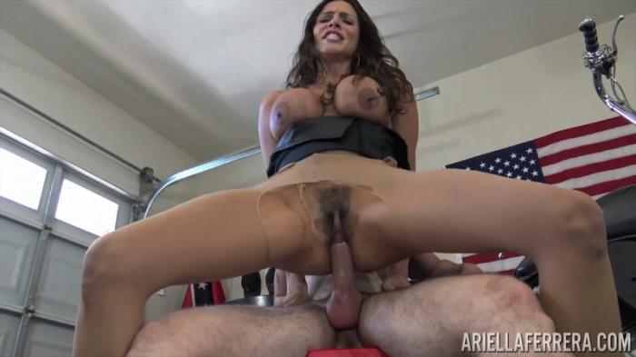 AriellaFerrera - Ariella Ferrera - Fuck Me and Fix Bike [SD 406p]