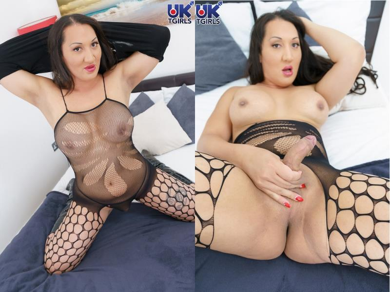 UK-TGirls.com: Estelle Mounty / Sumptuous Estelle Mounty Is Here! [HD] (725 MB)