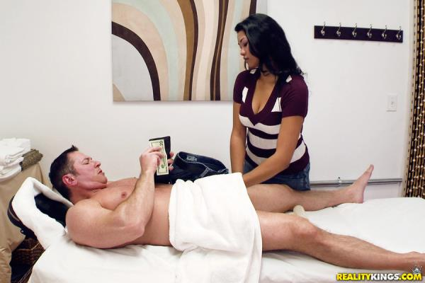 HappyTugs, RealityKings - Ivy Ray - Ivy Ray Tug Day [SD, 432p]