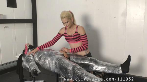 Mistress Helix - Freshly Wrapped Meat - TeaseAndThankYou.com (FullHD, 1080p)