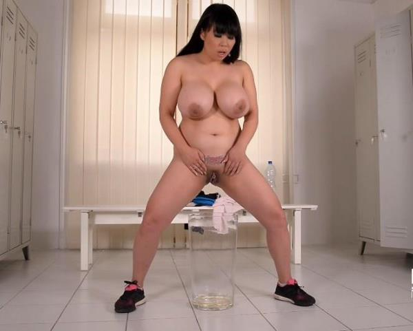 Tigerr Benson - Pee, Baby- A Gyms Dressing Room Makes Her Pussy Wet (FullHD 1080p)