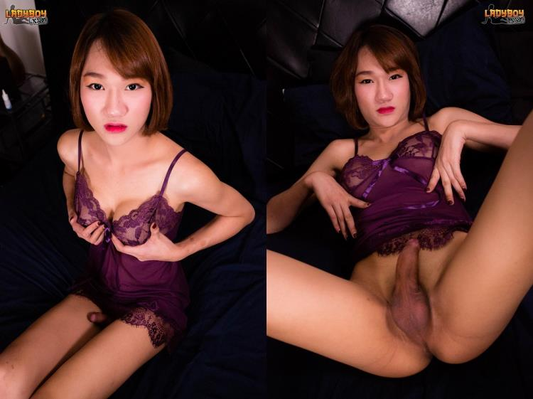 Tempting Cara Shoots Cum! (06 Sep 2017) [LadyBoy.xxx / HD]