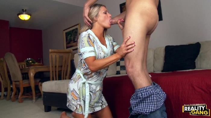 MilfCruiser/RealityGang - Allura Skye - Allura Skye Goes On a MILF-cation!  (720p / HD)