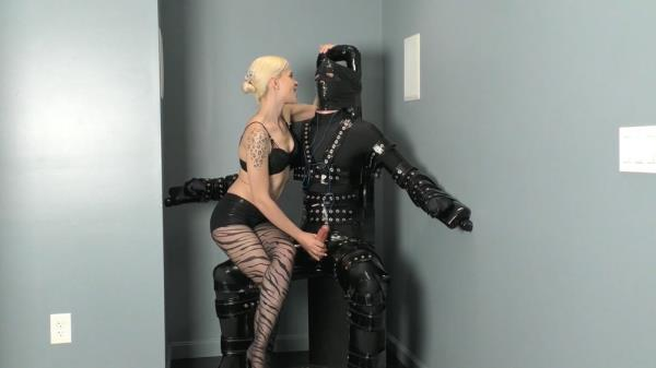 Mistress Helix - Handjob In The Dark - TeaseAndThankYou.com (FullHD, 1080p)