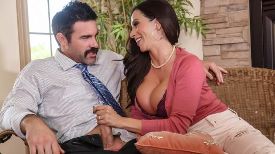 MommyGotBoobs, Brazzers: Ariella Ferrera - My Son's Teacher (SD/480p/312 MB) 26.09.2017