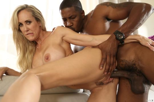 DarkX: Brandi Love - My Noisy Neighbor (SD/544p/337 MB) 19.09.2017