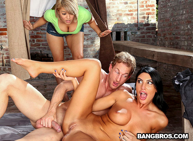 BigTitsRoundAsses.com / BangBros.com - August Ames - Best Way To Fuck When You're Horny [SD, 480p]
