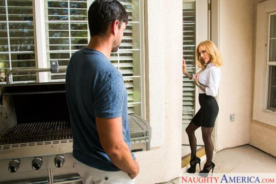 NeighborAffair, NaughtyAmerica: Sarah Jessie (SD/360p/313 MB) 14.09.2017