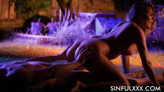 SinfulXXX: Vanessa Decker - Garden Of Lust (FullHD/1080p/2.39 GB) 09.09.2017