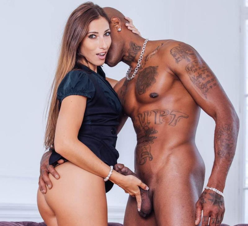 Private.com: Clea Gaultier, top model in interracial anal [SD] (214 MB)