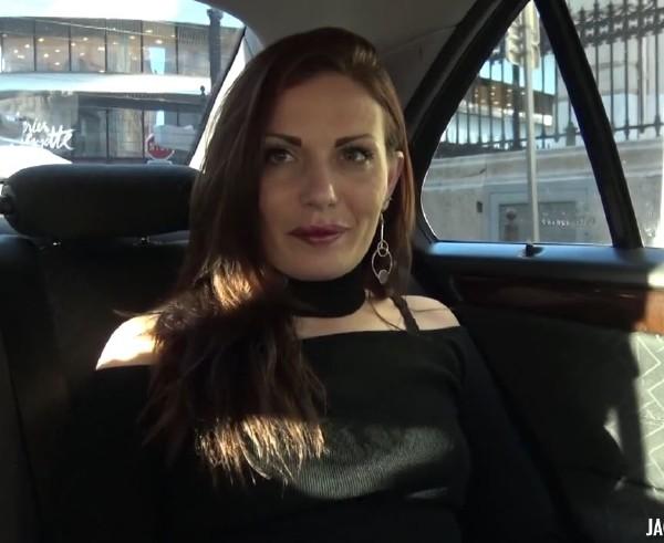 JacquieEtMichelTV - Cyann - Cyann, 26ans, vendeuse a Toulouse ! [HD 720p]