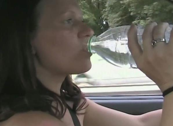 RealesFetishPaar - Eine nackte Autofahrt [MDH, PA / FullHD]