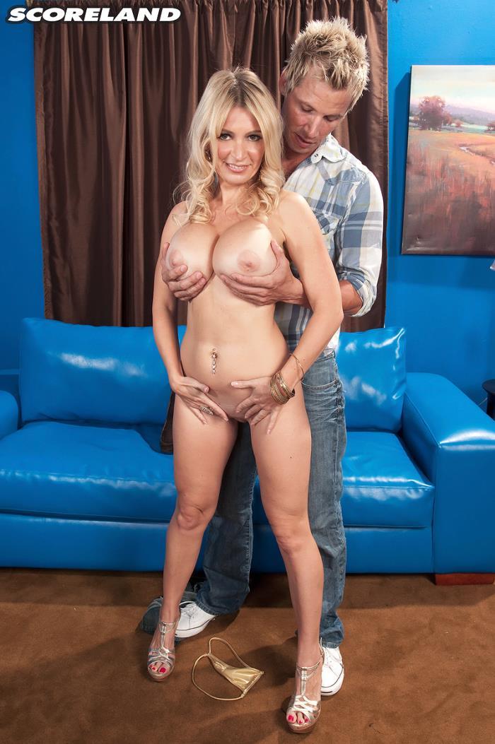 Ingrid Swenson - How Busty Blondes Get More Cum  (2017/Scoreland/PornMegaLoad/SD/480p)