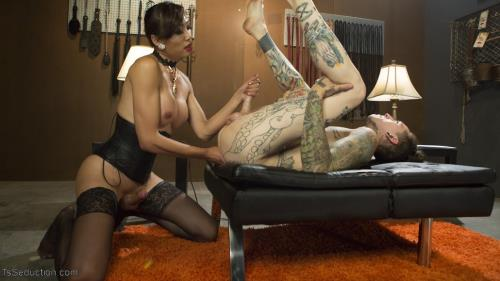 Venus Lux & Ruckus - Sensual Domme Venus Lux Gets Worshiped and Fucks Her Obedient Slave [HD, 720p] [TsSeduction.com/Kink.com]