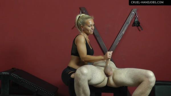 Mistress Gitta - Come And Enjoy - Cruel-Handjobs.com / Cruel-Mistresses.com (FullHD, 1080p)