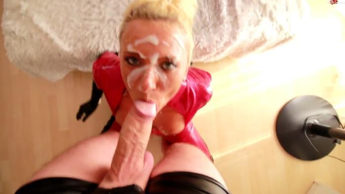 Blonde - Gefickpisste Latexhure - Perverses Sperma-Fick-Piss-Festival [FullHD, 1080p]