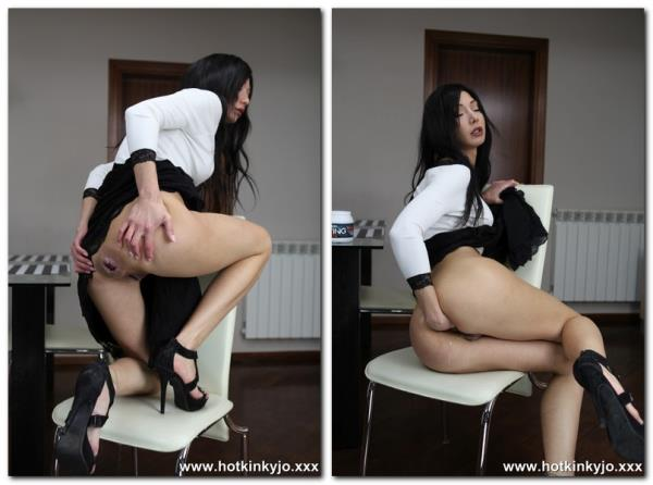 White and black anal fisting - Hotkinkyjo.xxx (FullHD, 1080p)
