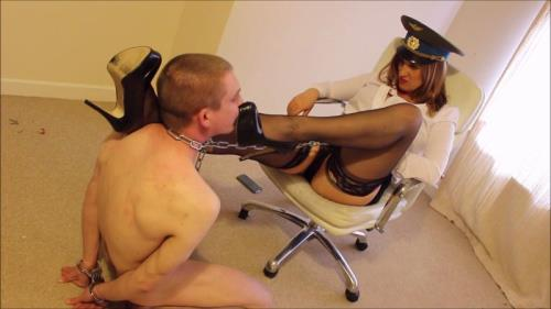 Mistress Vexxa - Shoelicking Humiliation [FullHD, 1080p] [Cruel Goddess / Clips4sale.com]