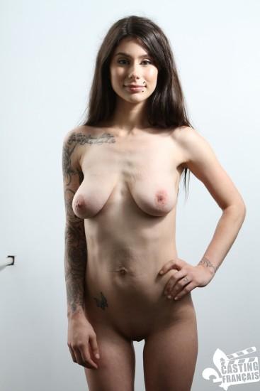 CastingFrancais / PornDoePremium - Yasmine Diaz - French Canadian amateur Yasmine Diaz gets her pussy glazed in audition  (480p / SD)
