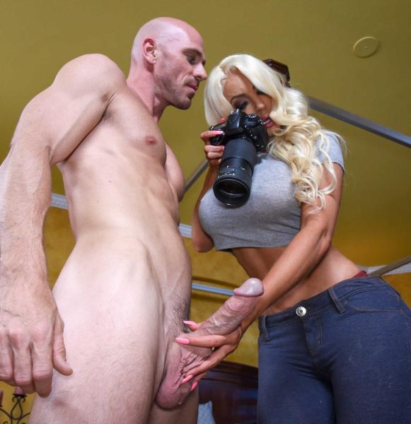 Nicolette Shea - Private Dick (Big tit) - BrazzersExxtra / Brazzers   [SD 480p]
