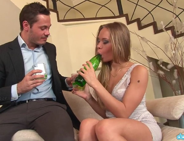 Willa - Teen Willa Thanks Her Sugar Daddy With A Tight Fuck (RealGFSExposed.com/DaGFs.com) - [HD 720p]