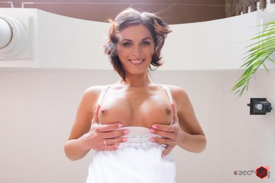 CzechVRFetish, CzechVR: Jenifer Jane - Czech VR Fetish 085 - Pissing with Jenifer Jane [VR Porn] (2K UHD/1440p/1.33 GB) 23.10.2017
