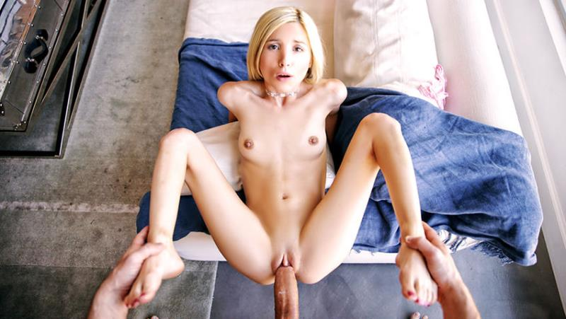 POVD.com: Piper Perri - Piper Plays Hookey [SD] (437 MB)