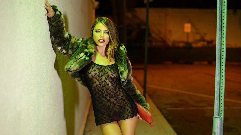 Adriana Chechik - Stop and Go Hoe (28.10.2017) [Brazzers, PornstarsLikeItBig / SD]