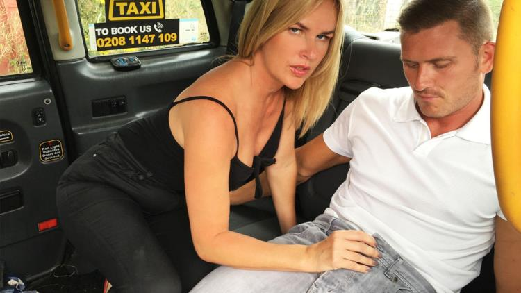 Summer Rose - Hot cab creampie for married couple (19.10.2017) [FemaleFakeTaxi / SD]