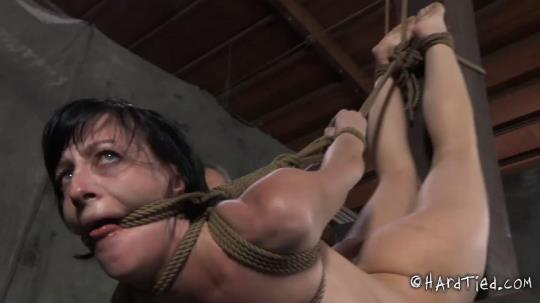 Hard Tied: Kept - Elise Graves (HD/720p/624 MB) 12.10.2017