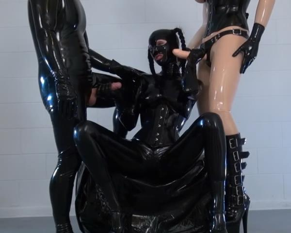 Latex - Rubberboy and rubberdoll squirting strapon for Lara (2017/FullHD)