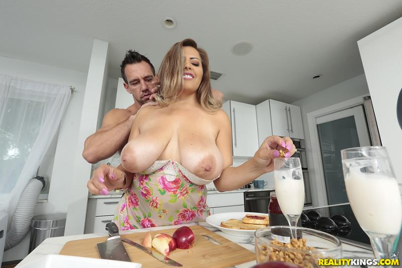 Alessandra Miller, Johnny Castle (Coffee With Cum) [RealityKings, BigNaturals / HD]