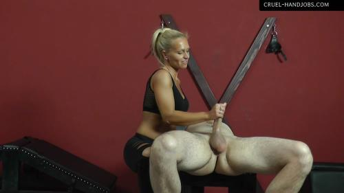 Mistress Gitta - Come And Enjoy (19.10.2017/Cruel-Handjobs.com / Cruel-Mistresses.com/FullHD/1080p)